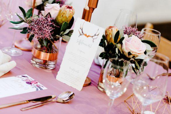 Hochzeitsdeko rosa boho Menükarte