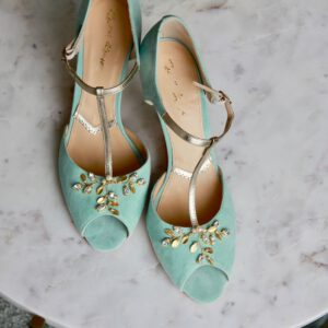 Wildlederbrautschuhe mint mit gold Applikationen